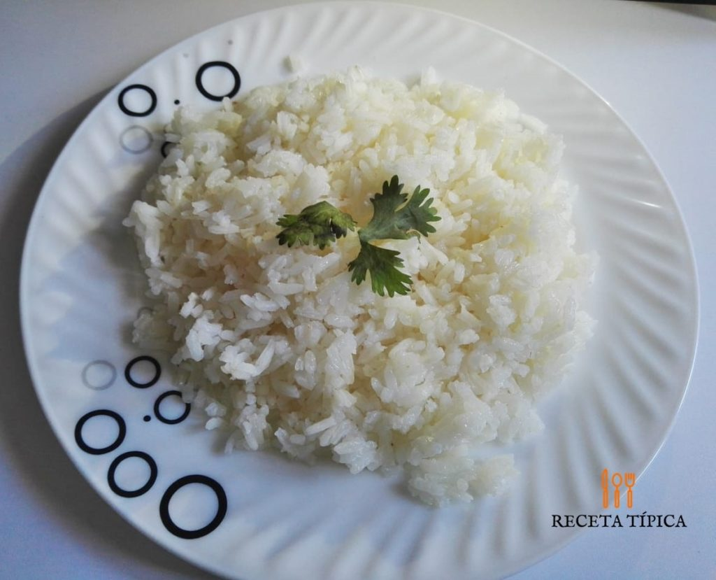 plate with white rice