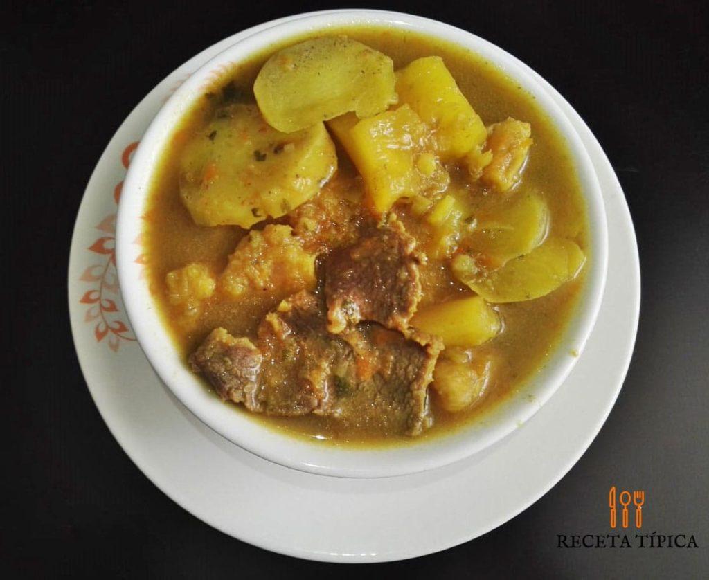 Plate with sancocho de carne de res