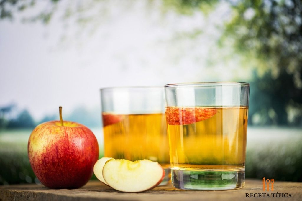 glasses with apple juice
