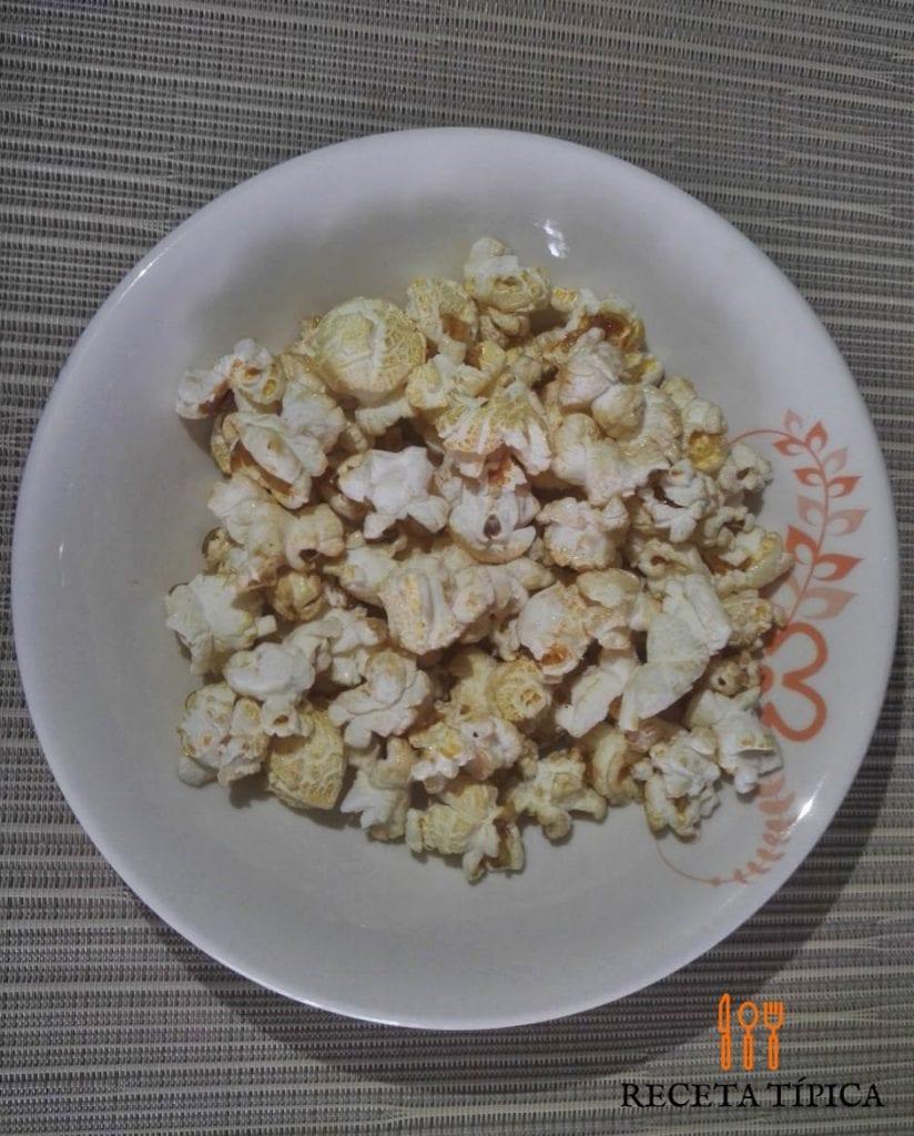 Dish with Popcorn or Crispetas