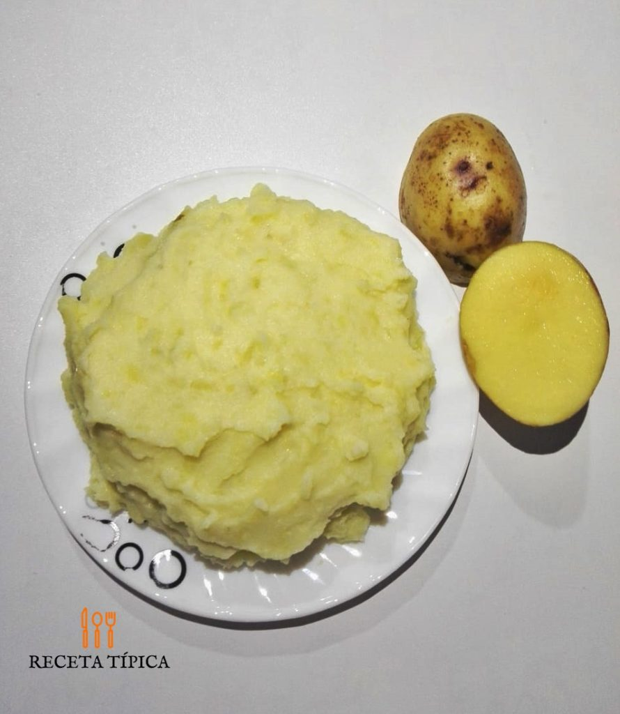Dish with mashed potatoes