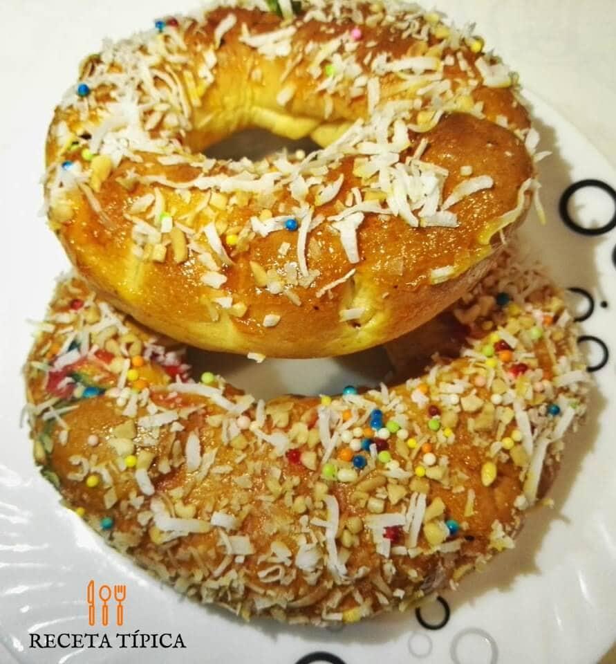 Roscones or Sweet Round Bread
