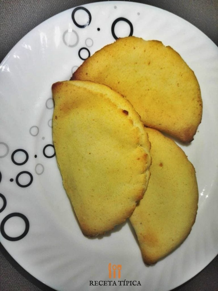 Dish with cambray empanadas