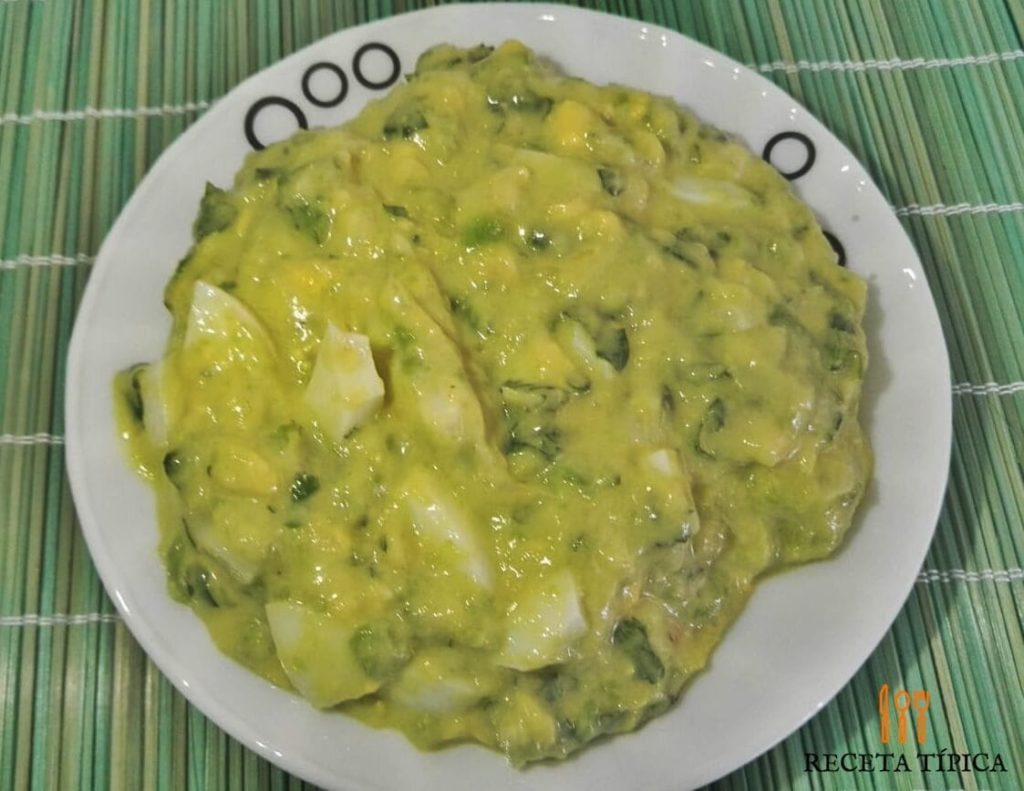 Dish with guacamole
