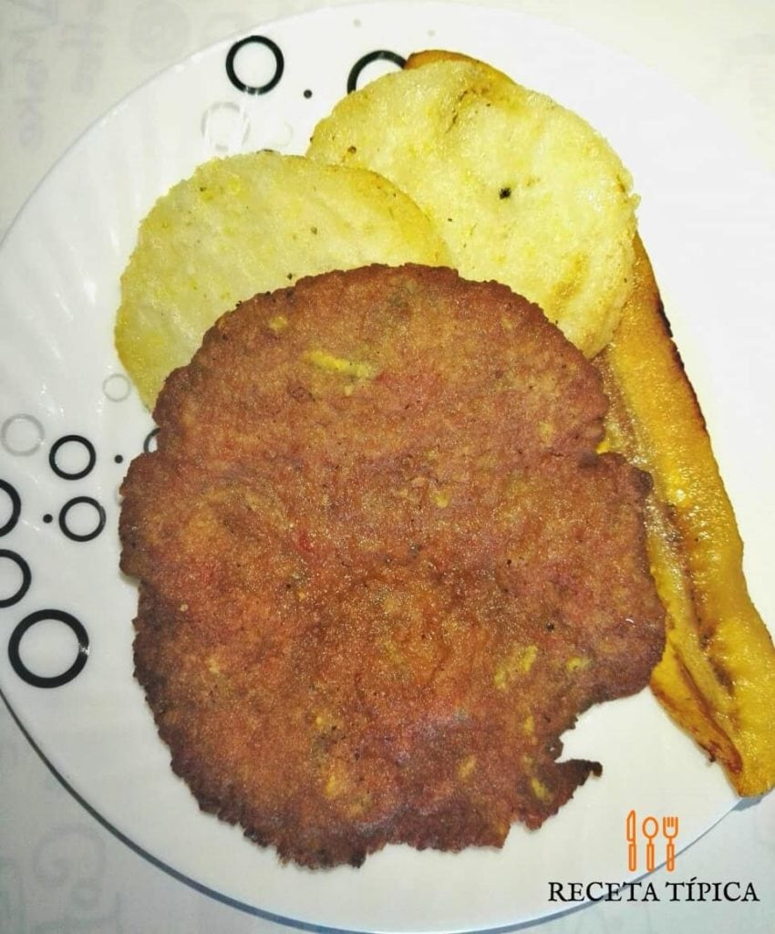 Dish with beef patties