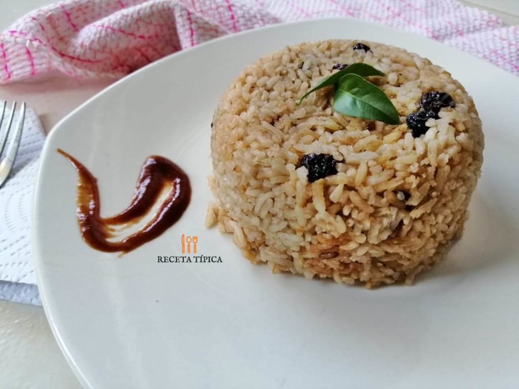 Plate with coca cola rice