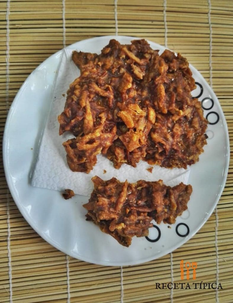 Dish with cocadas