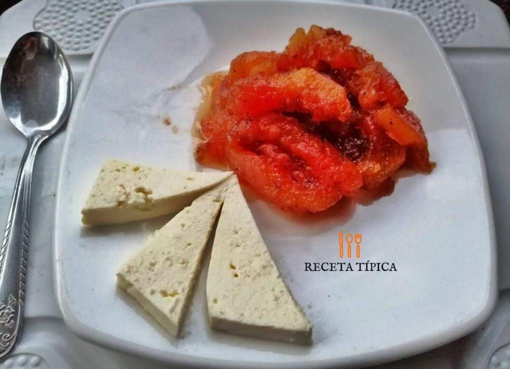 Papaya dessert with cheese